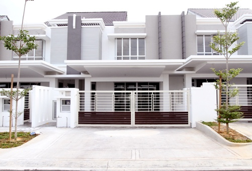 Spacious Freehold Double Storey Terrace House At Ttdi Alam Impian