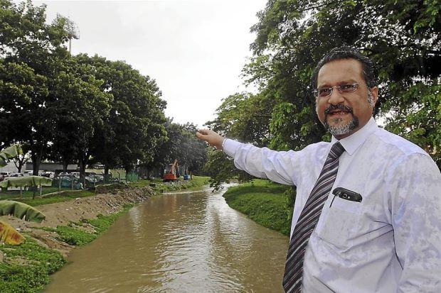 Image result for Jagdip Singh ADUN Dato Keramat at flood area