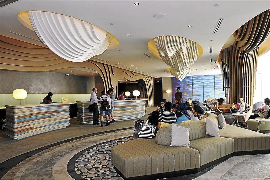 Traders Hotel Carefully Chooses All Things Ocean In Its