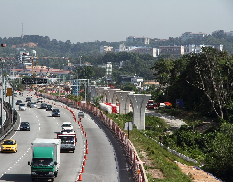 Vital route: The Grand Saga Highway after the Batu 9 toll plaza, near Kampung Sungai Raya is one of the main routes into Kajang from central KL.