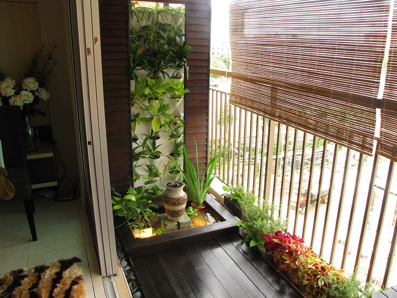 Serenity on the balcony for Balcony zen garden ideas