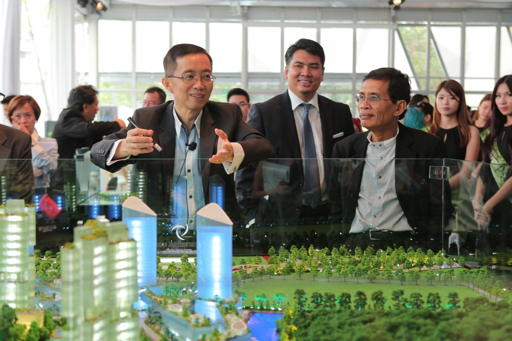 (From left) Datuk Soam Heng Choon and Datuk haji Othman Ahmad showing how easily accessible Pantai Sentral Park is to the other towns through the multiple highways and expressways.