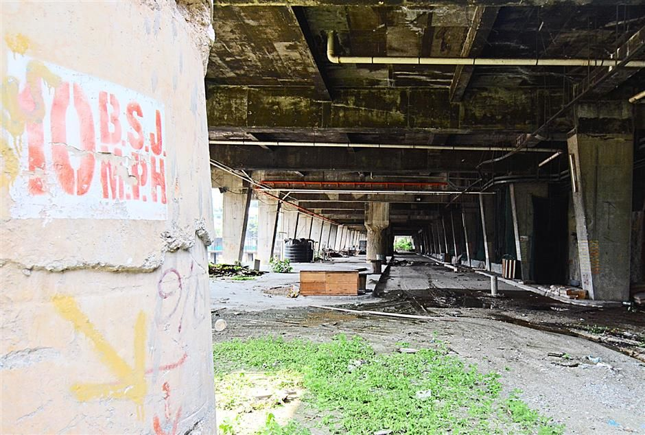 Threat to health and safety: The abandoned site is set to be revived as a new contractor has been identified to carry out the rejuvenation work. —filepic
